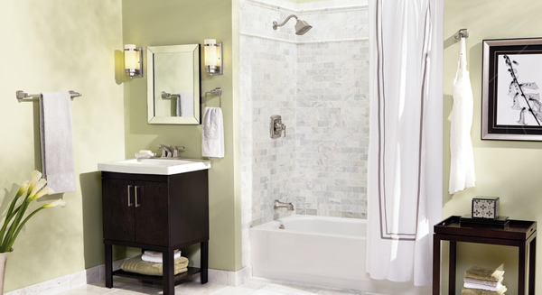 Luxury bath with stylish features